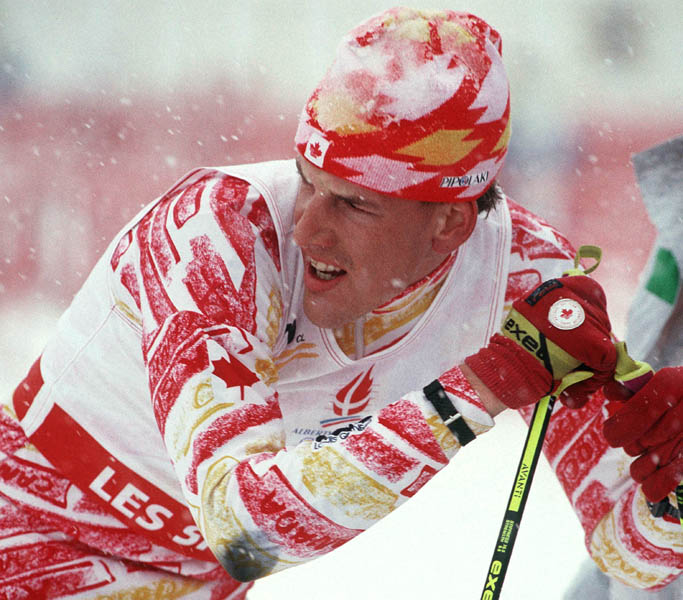 Canada's Wayne Dustin competing in the cross country ski event at the 1992 Albertville Olympic winter Games. (CP PHOTO/COA/Ted Grant)