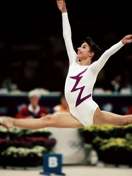 Canada's Mary Fuzesi competing in the rhythmic gymnastics event at the 1988 Olympic games in Seoul. (CP PHOTO/ COA/ Tim O'lett)