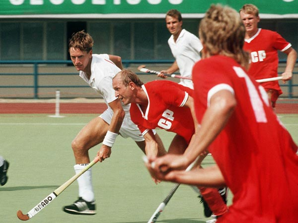 Canada's Pat Burrows (left) and Rick Albert play field hockey at the 1988 Seoul Olympic Games. (CP Photo/ COA/ T. Grant)