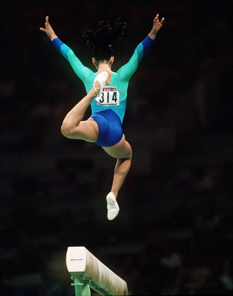 Canada's Cathy Giancaspro competes in the gymnastics event at the 1988 Olympic games in Seoul. (CP PHOTO/ COA/ Tim O'lett)