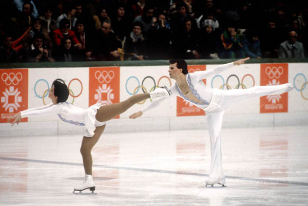 Canada's Melinda Kunhegyi and Lyndon Johnston compete in the figure skating-pairs event at the 1984 Sarajevo Olympic winter Games. (CP PHOTO/COA/Tim O'lett)