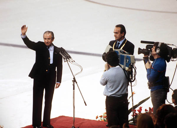 IOC President Juan Antonio Samaranch salute the crowd during the opening ceremony of the 1984 winter Olympic Games in Sarajevo. (CP Photo/ COA/J. Merrithew)
