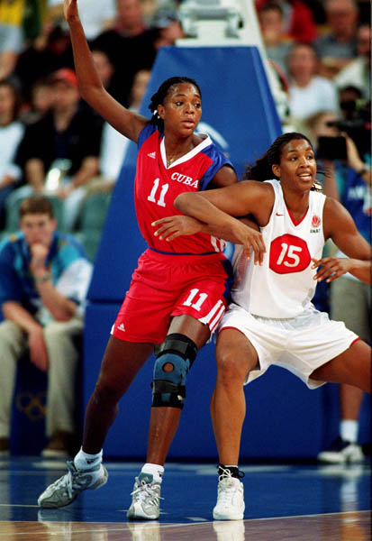 Canada's Tammy Sutton-Brown (15) participates in basketball action at the Sydney 2000 Olympic Games. (CP PHOTO/ COA)