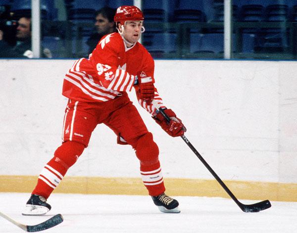 1006hockey-nedved3-v6.jpg