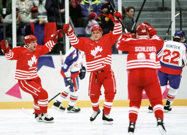 1006hockey4-v6.jpg