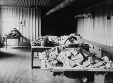 Photograph of the bodies of victims of the rockslide, Québec, 1889