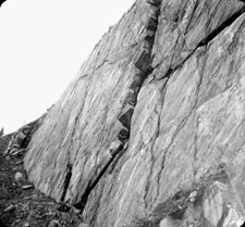 Photograph providing a close-up of the rock face at Cape Diamond, Québec