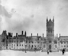 Photograph of Centre Block after the 1916 fire