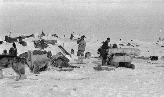 Inuit Indians Homes http://www.collectionscanada.gc.ca/022/022-607.002.01.01.20-e.html