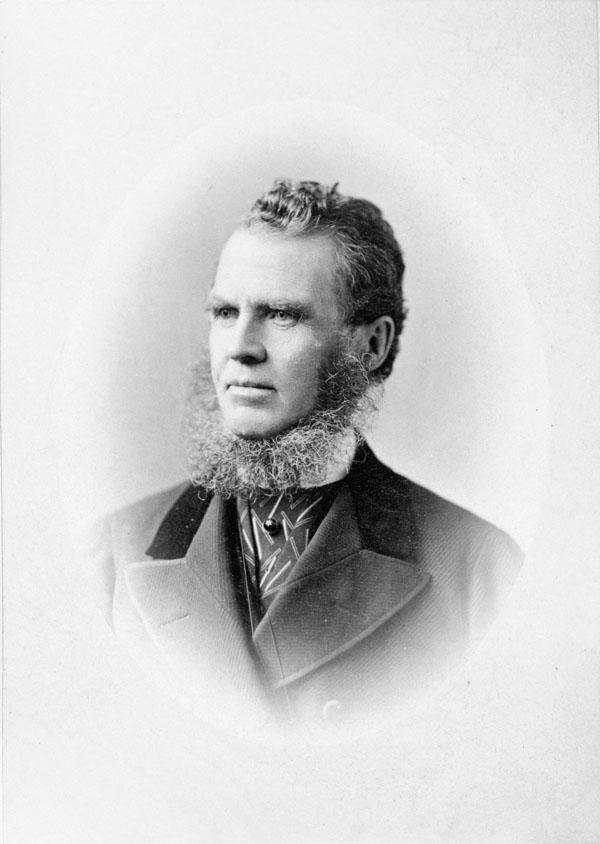 Photo : Sir William Pearce Howland