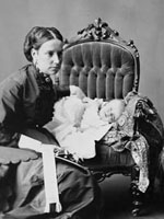 Photograph of Lady�Susan�Agnes�Macdonald, wife of Sir�John�A.�Macdonald, with infant daughter Mary, June�1869