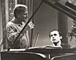 Photograph of Glenn Gould performing with Yehudi Menuhin, October 1965
