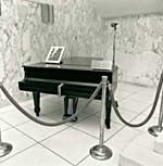 Photograph of the Steinway piano, on display at the National Library of Canada