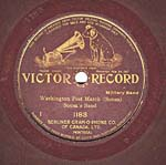 Label of an eight-inch disc, with gold edging and lettering, and the words GRAND PRIZE printed around the spindle hole, circa 1907