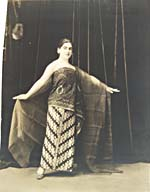 Photograph of Éva Gauthier in the Javanese costumes for which she became known