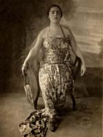 Éva Gauthier in Javanese-style dress, before a concert