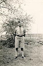 Photograph of Ross Hamilton in his uniform