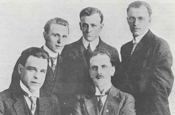 Photograph of the Octave-Pelletier quartet with Guillaume Dupuis, 1918