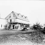 Photograph of the exterior of Hotel Saskatchewan, North Battleford, Saskatchewan, ca. 1906